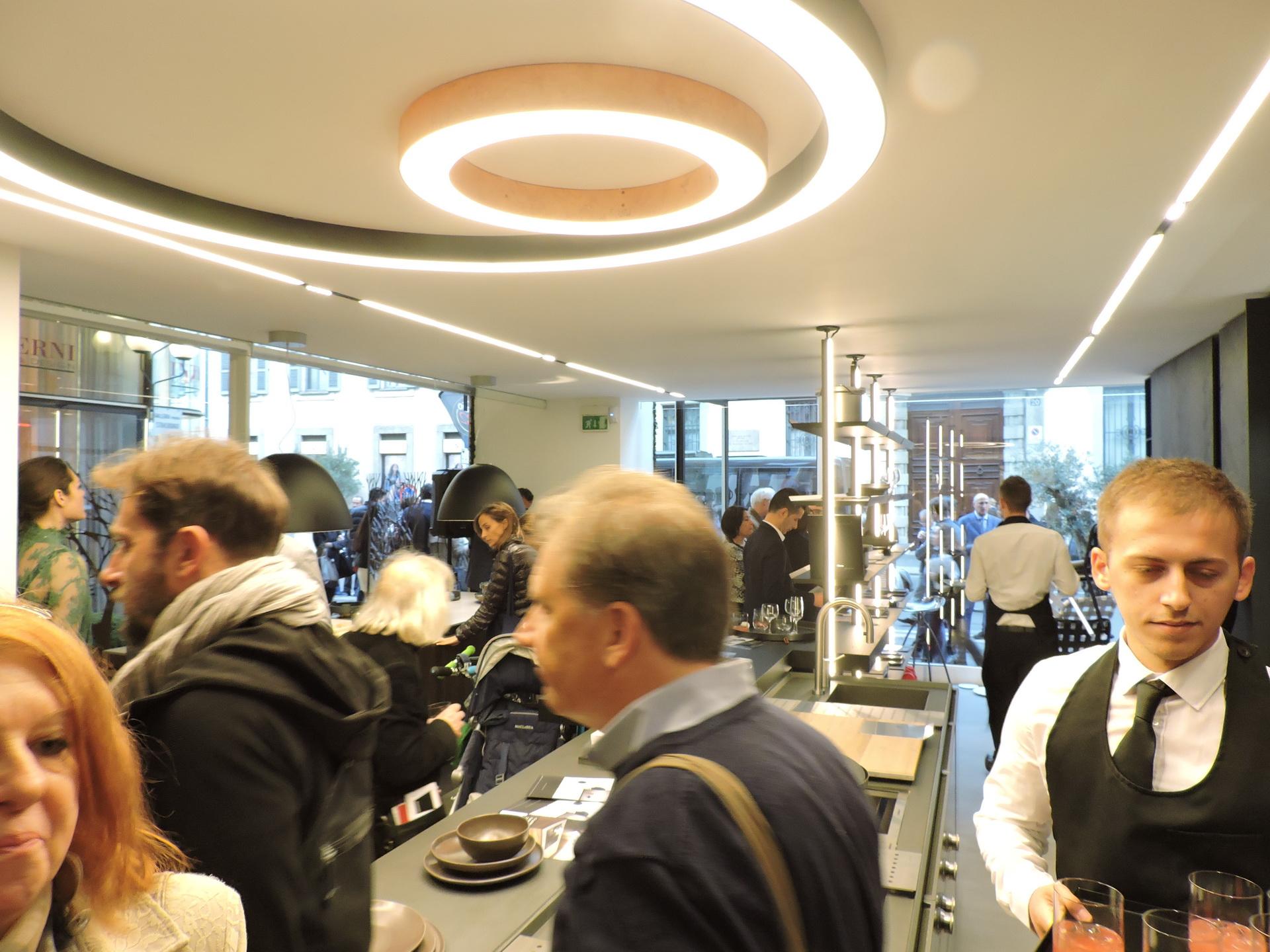 Fuorisalone 2017 - Desing Week 2017 - Binova Milano - cocktail con Davide Oldani e Schonhuber Franchi 018