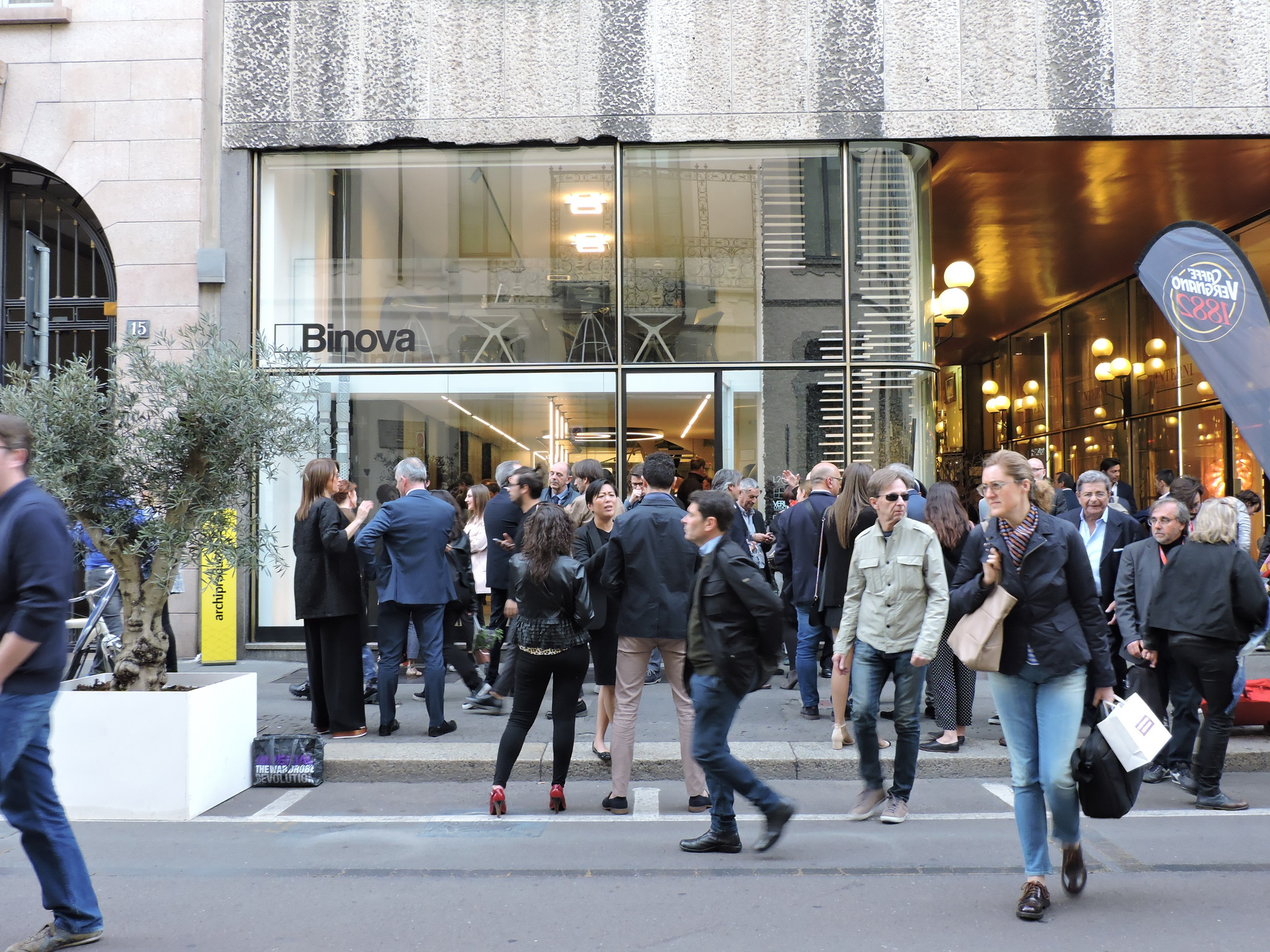 Fuorisalone 2017 - Desing Week 2017 - Binova Milano - cocktail con Davide Oldani e Schonhuber Franchi 022
